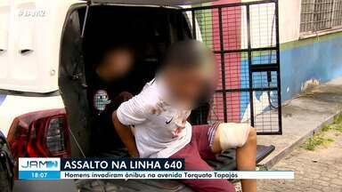Homens assaltam ônibus da linha 640 na Avenida Torquato Tapajós, em Manaus - Homens assaltam ônibus da linha 640 na Avenida Torquato Tapajós, em Manaus