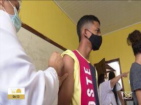 Cidades do Sul do Maranhão tentam acelerar a vacinação contra Covid-19 - Nessa terça-feira (31) teve mutirão na cidade de São Raimundo das Mangabeiras com apelo do secretário de Saúde, Carlos Lula, para que a população não deixe de tomar a segunda dose da vacina contra o novo coronavírus.
