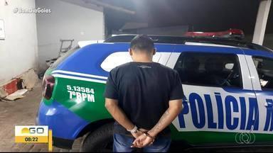 Homem é preso suspeito de roubar celular de jovem e vender aparelho pela internet - Veja o giro de notícias.