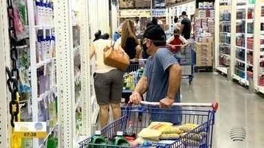 Consumidores apostam em compras em redes atacadistas para economizar - Pessoas podem optar por comprar uma quantidade maior e pagar um pouco menos.