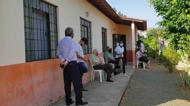 Adolescentes de 12 a 17 anos são imunizados contra a Covid-19 em Caratinga - Confira.