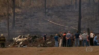Queda de avião em Piracicaba (SP) mata sete pessoas - O bimotor caiu e explodiu 15 segundos depois da decolagem. Celso Silveira Mello Filho, acionista da Cosan, a esposa, três filhos do casal, o piloto e o copiloto morreram.