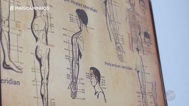 Roberta Campos traz práticas da medicina alternativa, que tem ganhado novos adeptos - Roberta Campos fala sobre as medicinas alternativas utilizadas na recuperação física de pacientes, práticas que estão ganhando destaques e novos adeptos nos últimos anos