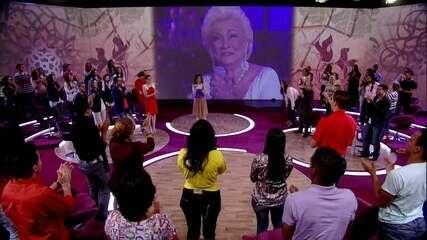 Fátima Bernardes homenageia Hebe Camargo