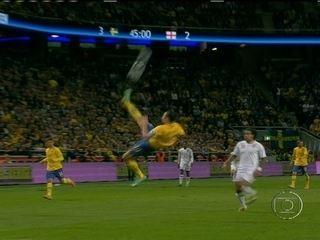 Em 2012, Ibrahimovic faz golaço pela Suécia contra a Inglaterra em amistoso internacional