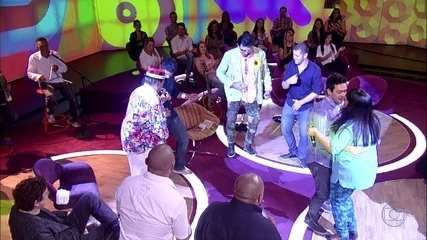Genival Lacerda canta 'A Gente Pilha'