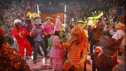 Plateia comemora Caldeirão 2013 com 'Harlem Shake'