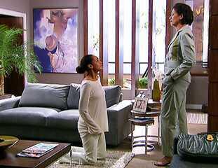 'Viver a Vida': Helena (Taís Araujo) pede perdão a Teresa (Lilia Cabral)