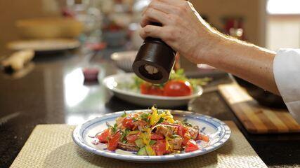 Panzanella: Salada com Pão Dormido