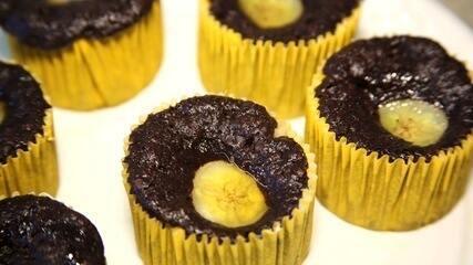 Micro-ondas light: Cupcake de chocolate e banana