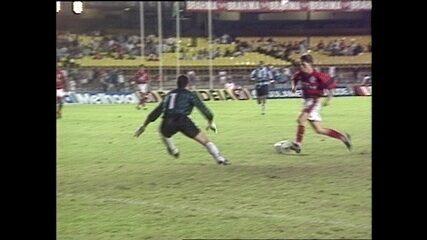 Em 1995, Sávio decide, e Flamengo vence Grêmio pela Copa do Brasil