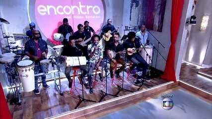 Fátima Bernardes samba ao som de Bom Gosto