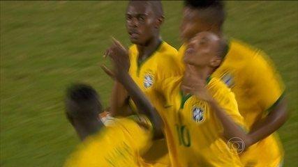 Veja gol e assistência de Leandrinho na vitória sobre a Colômbia no Sul-Americano Sub-17 de 2015