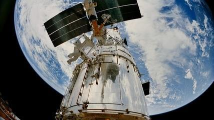 Hubble completa 25 anos registrando imagens incríveis do Universo