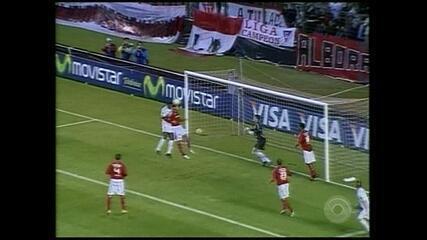 Inter sai na frente, mas leva virada da LDU nas quartas da Libertadores de 2006; relembre