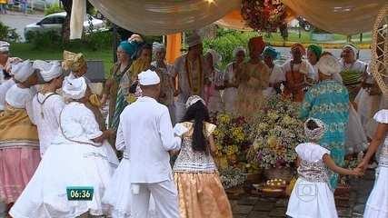 Seguidores do candomblé fazem festa para Oxum, em Moreno