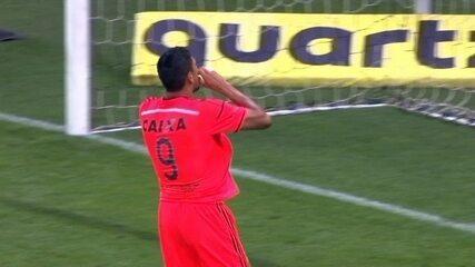 Gol do Sport! Guilherme Arana recua errado e Hernane aproveita aos 26 do 2º tempo