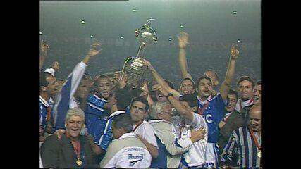 Em 1997, Cruzeiro vence Sporting Cristal por 1 a 0 e garante bicampeonato da Libertadores