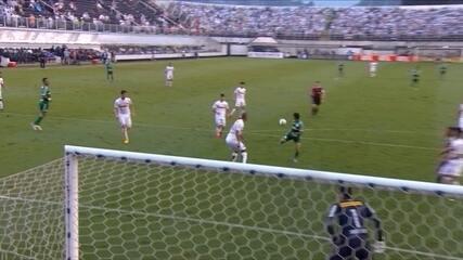 Gol do Palmeiras! Dudu tabela, domina e conta com desvio para marcar aos 29' do 2ªT