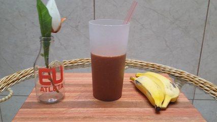Receita shake funcional de banana e chocolate