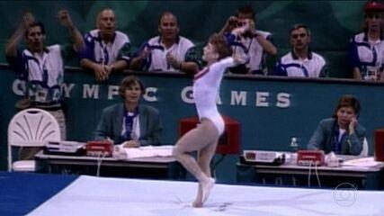 Em 1996, Kerri Strug salta com tornozelo fraturado e garante o ouro dos EUA na ginástica