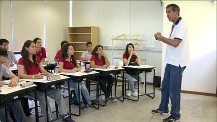 Proposta de reforma do ensino médio divide opiniões entre especialistas