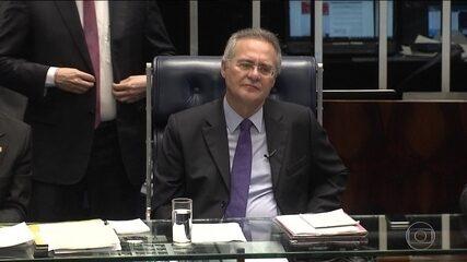 Mantido na presidência do Senado, Renan trabalha em ritmo acelerado