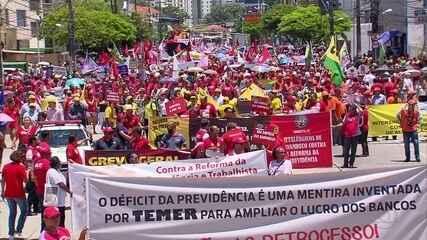 Manifestantes protestam contra reforma da Previdência no Recife e na Região Metropolitana