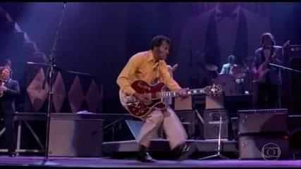 Morre, aos 90 anos, o cantor e guitarrista Chuck Berry, lenda do rock