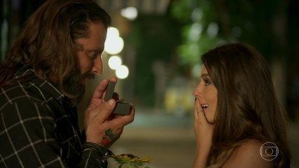 Milena aceita pedido de casamento de Ralf