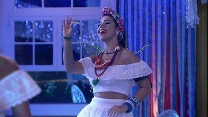 Vivian come e dança na Festa Bahia