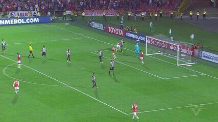 Independiente Santa Fe e Santos ficam no empate sem gols pela Libertadores