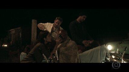 Rimena e Renato socorrem feridos em incêndio
