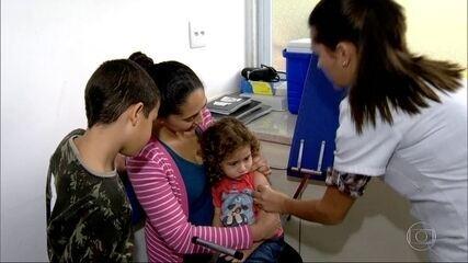 Cariocas se vacinam no Dia D contra a gripe