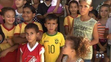 Escola pública é alvo de arrastão, em Aparecida de Goiânia