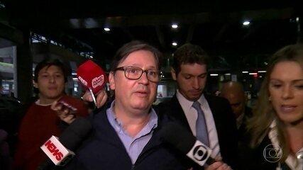 Deputado Rodrigo Rocha Loures, citado em gravações, chega dos EUA