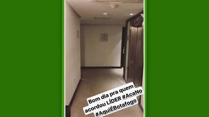 """Dudu Cearense comemora classificação do Botafogo e brinca: """"Acá no!"""""""