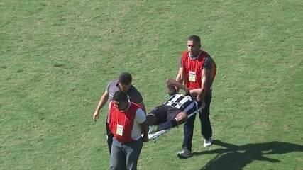 Airton divide com Arão, e acaba lesionado, aos 47' do 1º tp