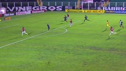 Gol do Inter! Pottker cruza rasteiro e Diego completa, aos 30' do 2º tempo