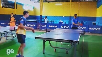 Wesley Silva Rosa ensina tênis de mesa em Varginha