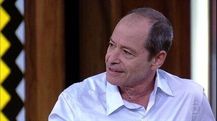 Guel Arraes fala sobre adaptação da obra de Ariano Suassuna
