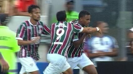Gol do Fluminense! Wendel tenta duas vezes antes de abrir o marcador aos 36 do 1º tempo