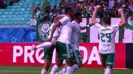 Gol do Palmeiras! Juninho toca de cabeça e Mina toca antes da bola entrar aos 37 do 2º