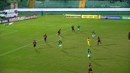 Fumagalli bate de primeira e quase marca para o Guarani contra o Oeste