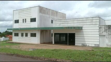 Moradores dizem que unidade de saúde de Araguaína está sendo usada como depósito