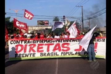 Em protesto, manifestantes interditaram trânsito na av. Almirante Barroso em Belém