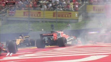 Replay da largada mostra toque entre Alonso, Vertsappen e Kvyat no GP da Áustria
