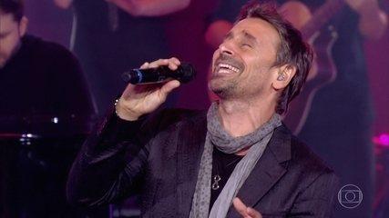 Murilo Rosa faz apresentação romântica e canta 'Os Amantes', sucesso eternizado pela voz do cantor Daniel