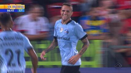 Luan marca, Grêmio tira invencibilidade do Fla na Ilha e volta à vice-liderança