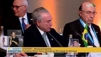 Meirelles cochila durante discurso de Temer na cúpula do Mercosul